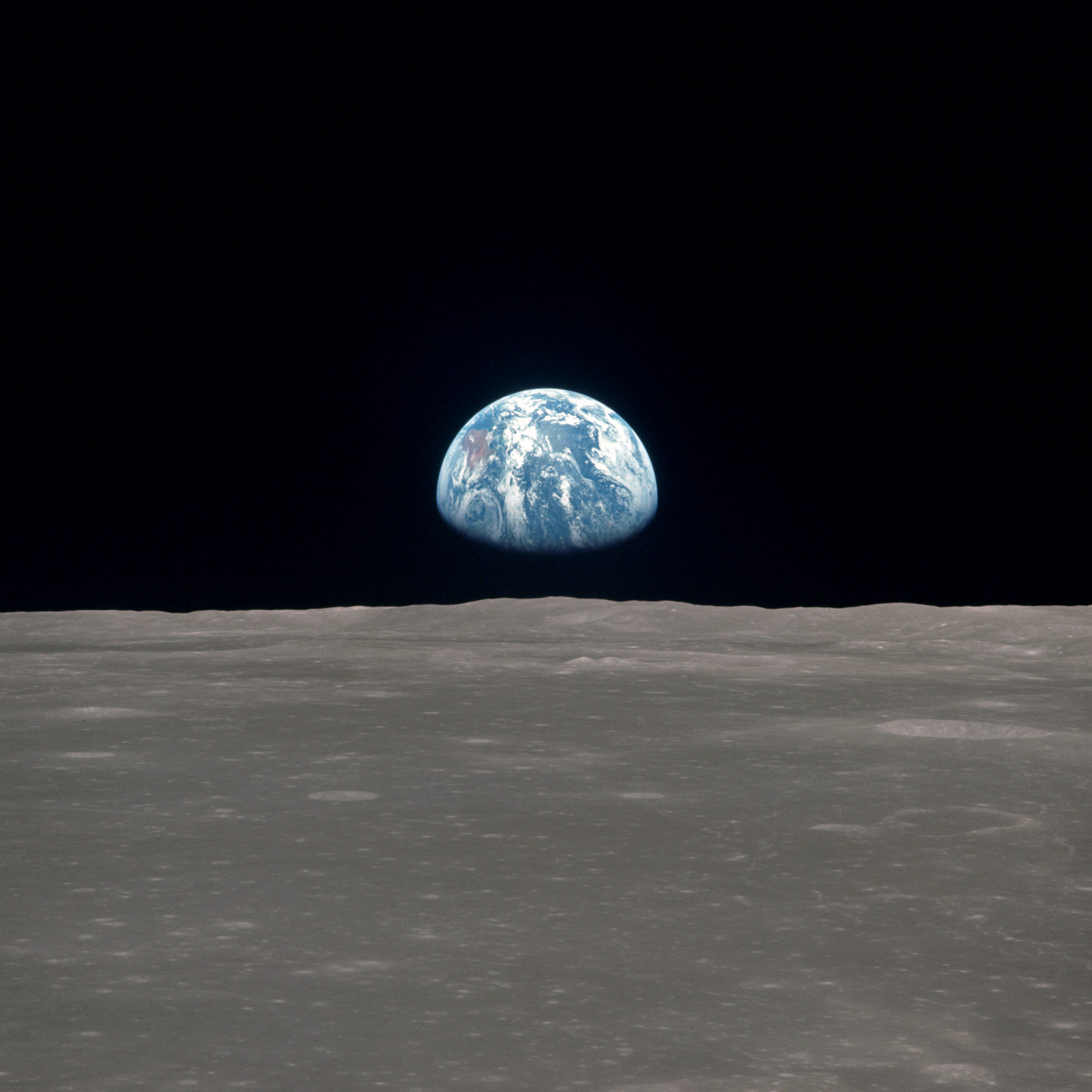 nasa - as11-44-6550 planet earth seen from the moon ipad wallpaper