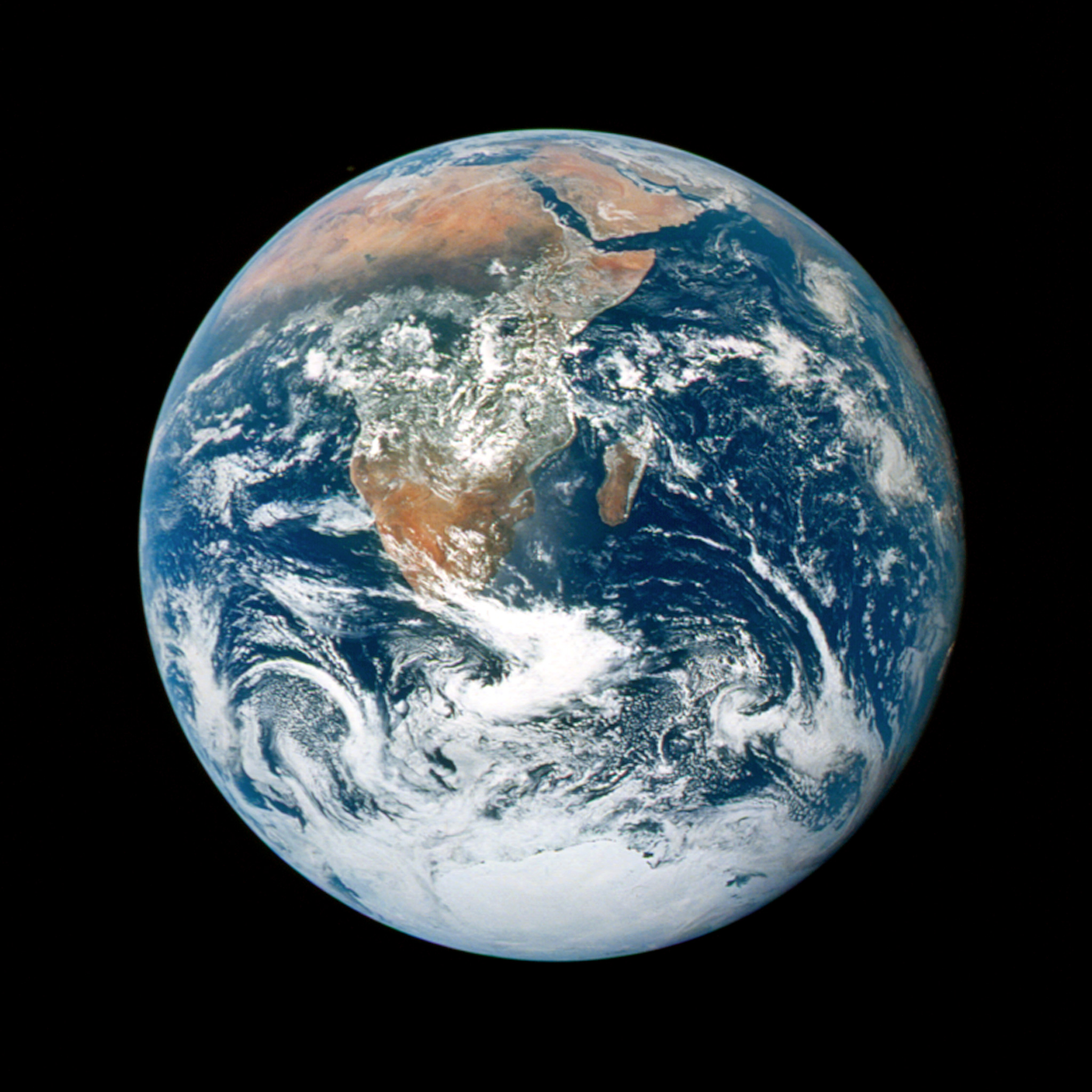 nasa - as17-148-22727 earth ipad wallpaper