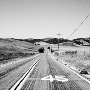 thomas hawk - black & white road scene ipad wallpaper