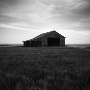 charles henry - black white barn texas ipad wallpaper