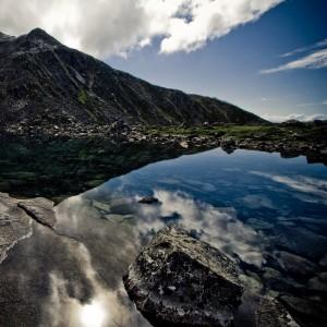 code poet - the glass house alaskan mountain ipad wallpaper