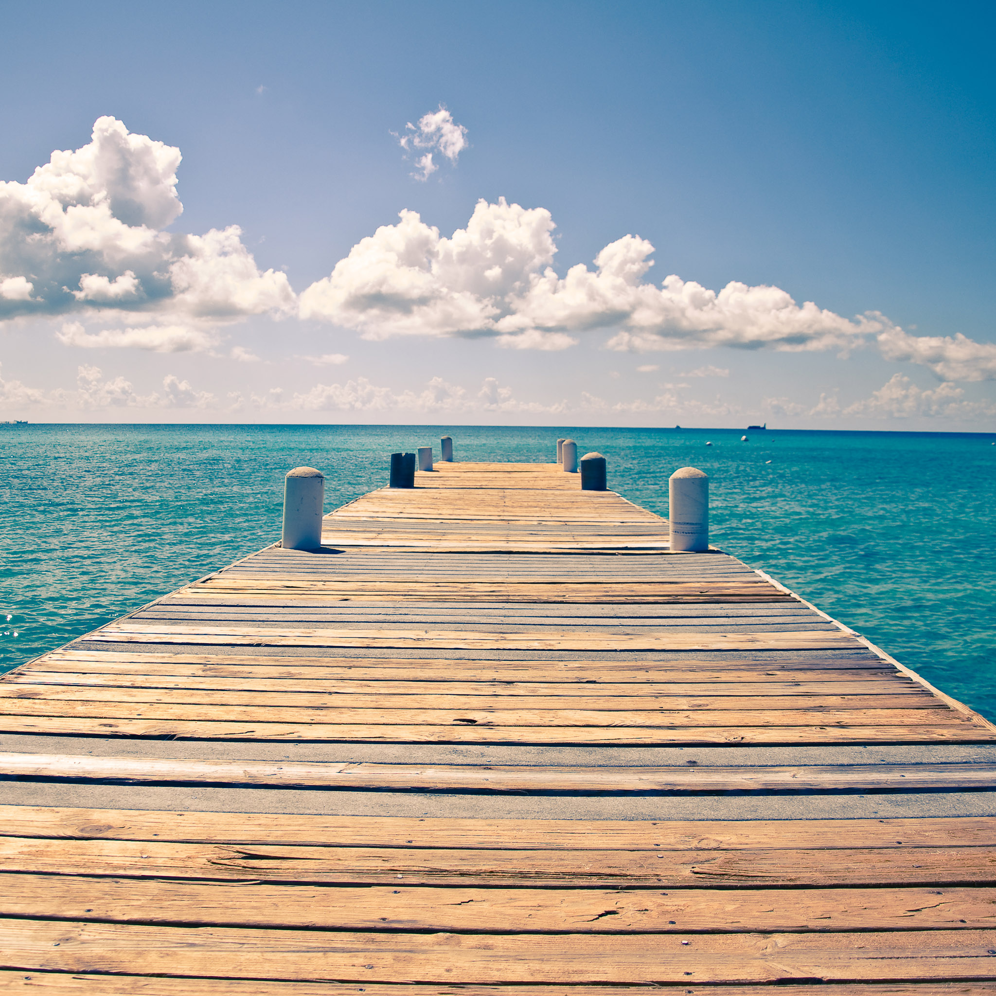 jorge quinteros - wooden dock ipad wallpaper