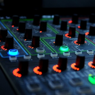 marcin milewski - dj mixer lights ipad wallpaper