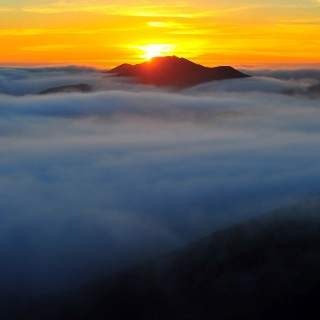 mike behnken - fog ocean sunset ipad wallpaper