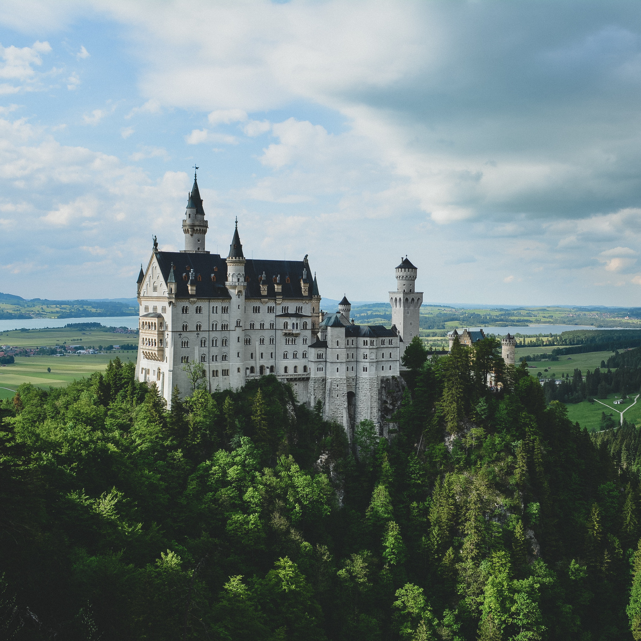 rachel davis - neuschwanstein castle germany ipad wallpaper