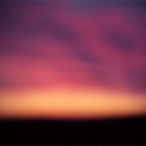 robbie - blurry sky ipad wallpaper