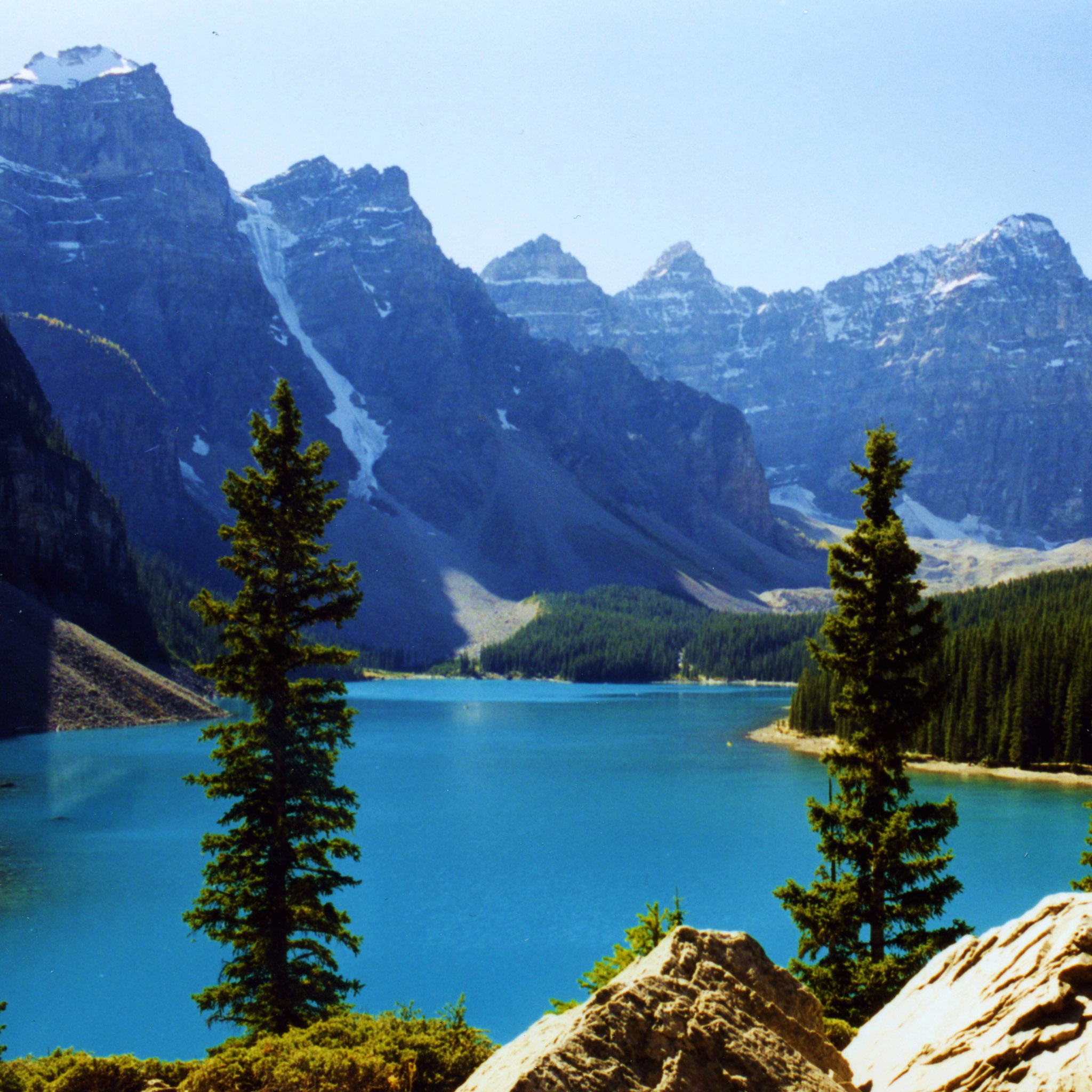 swisscan - moraine lake canada ipad wallpaper