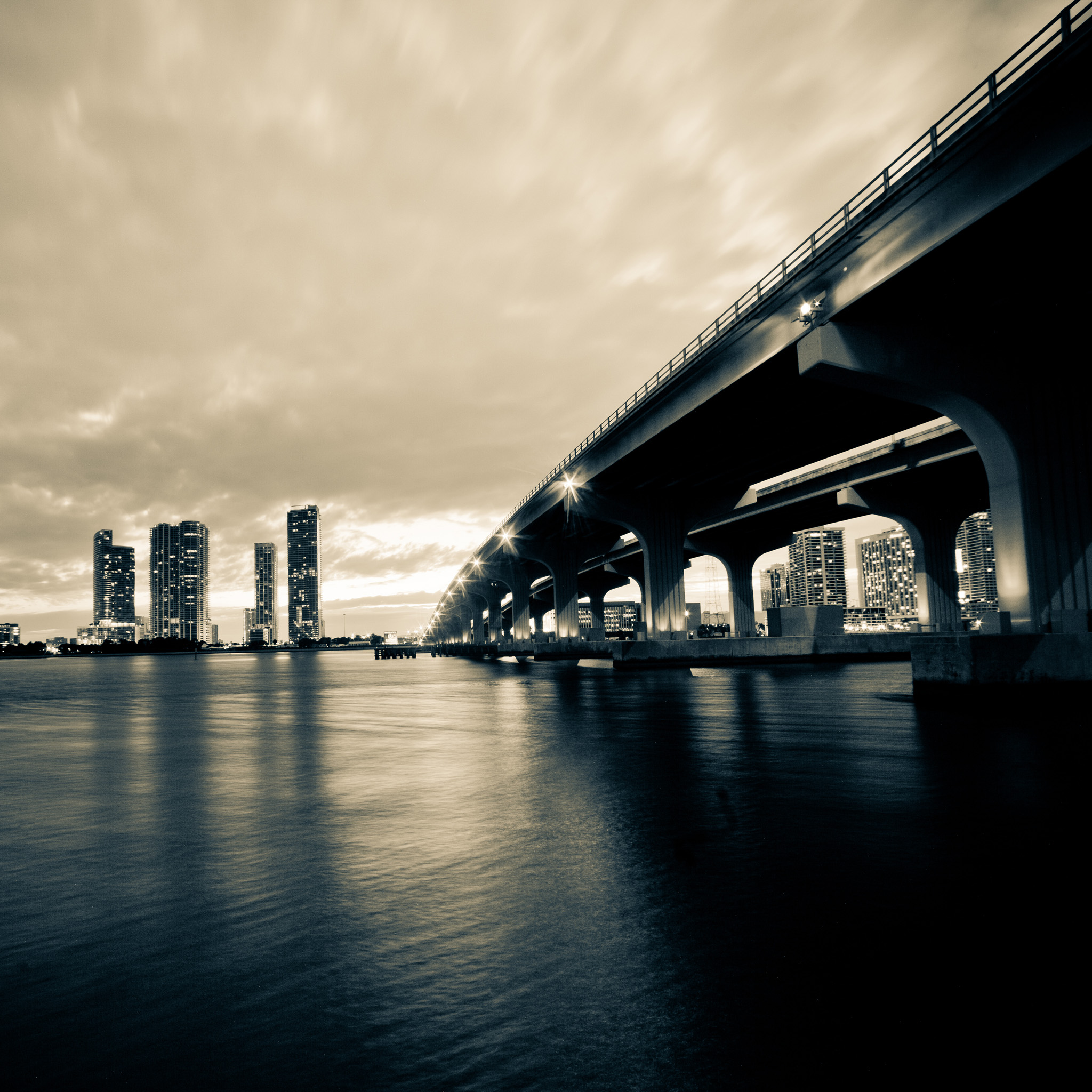 thomas hawk - miami at night ipad wallpaper