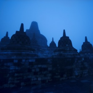trey ratcliff - indonesian temple ipad wallpaper